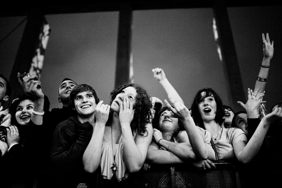 09-extatic-fans-of-live-music
