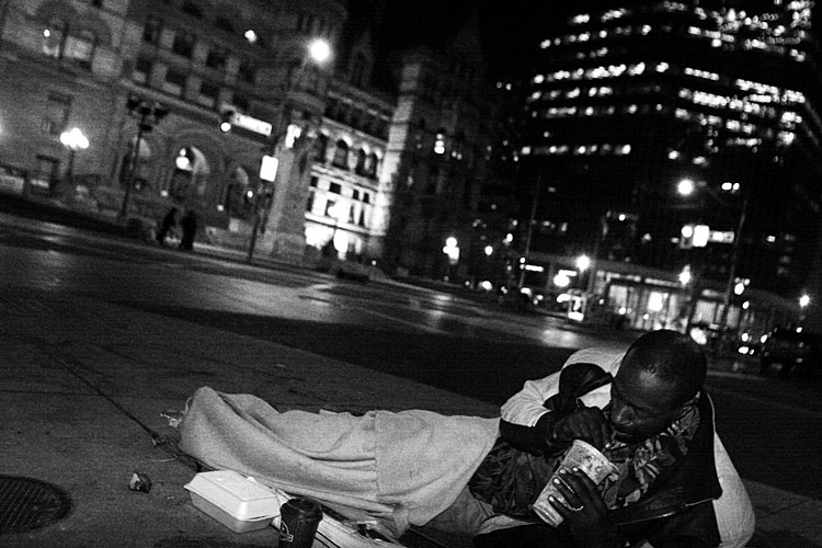 09-people-who-sleep-outside-chris-webber