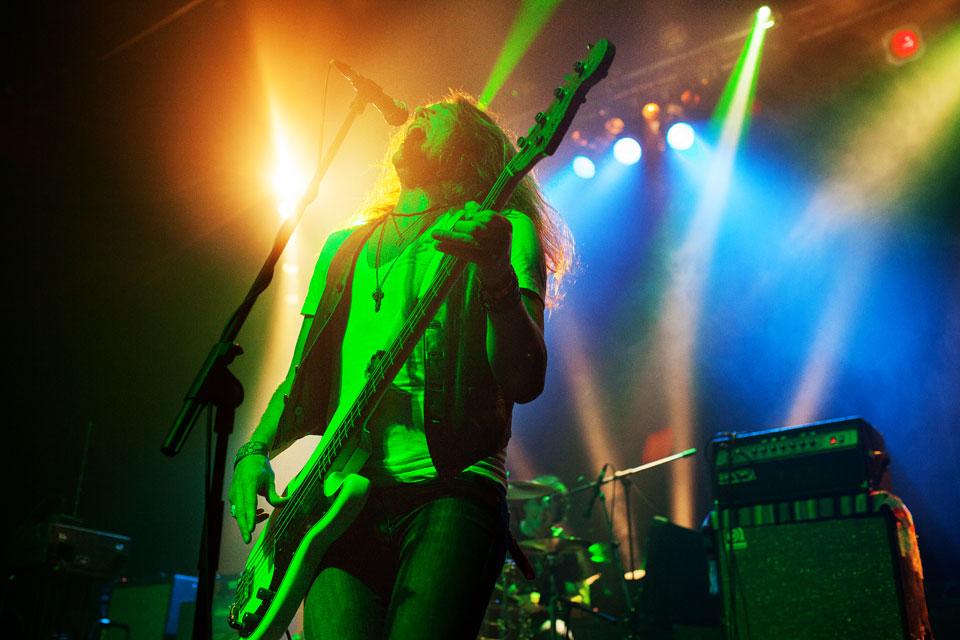 33-Bassist-from-La-Chinga-Vancouver