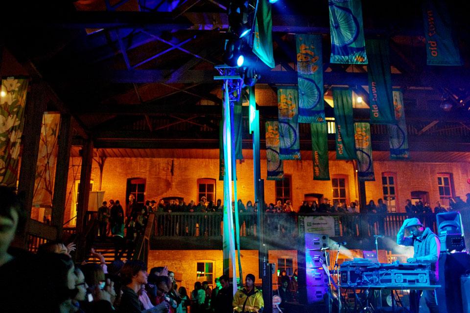 36-Keys-N-Krates-live-show-canada