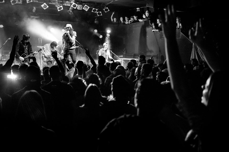 16-live-concert-Matt-Mayes-band
